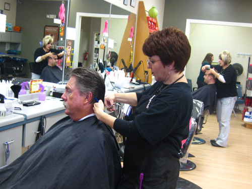 You are browsing images from the article: Fantastic Sams Cut for a Cure