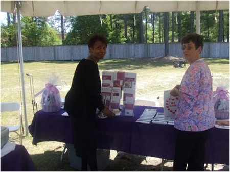 You are browsing images from the article: Mammography Outreach
